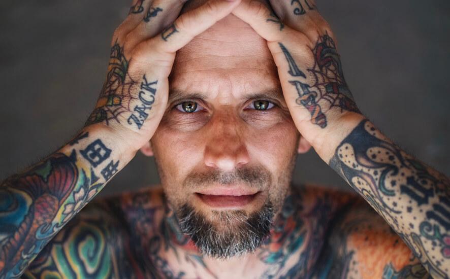 Tatuador e estúdio de tatuagem